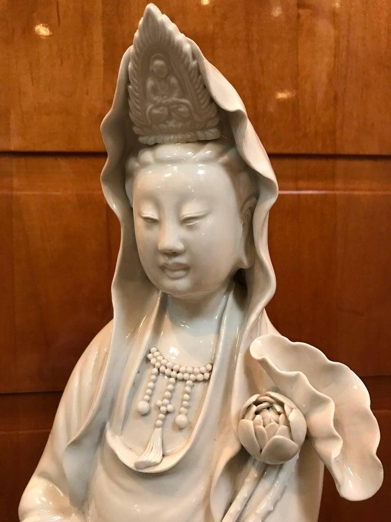 18th Century Fine Dehua, Blanc de Chine, Quan Yin Porcelain Figure For Sale
