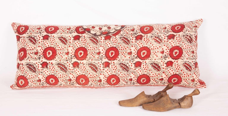 Block Print Lumbar Pillow Case made from an Uzbek Print, Early 20th Century In Good Condition For Sale In Istanbul, TR