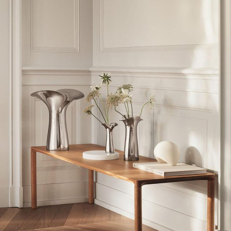 Elegance par excellece in the shape of exclusive products, created in a sensual and organic design language is characteristic to the Bloom Botanica line extension.