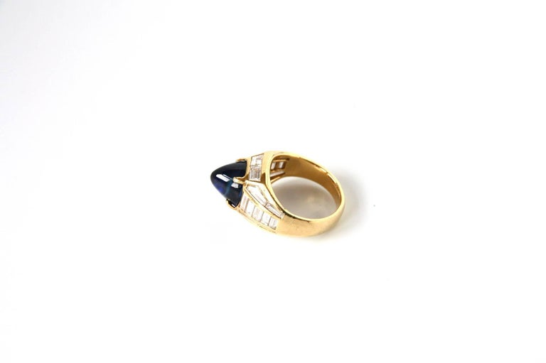 Blue Sapphire 18 Karat Gold Diamond Baguette Pinkie Ring In New Condition For Sale In Milan, IT
