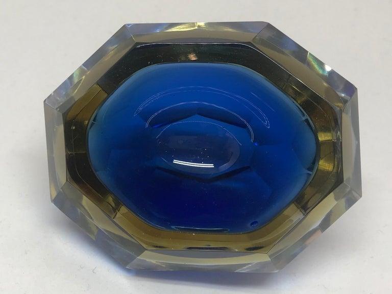 20th Century Blue and Pale Amber Murano Vide Poche For Sale