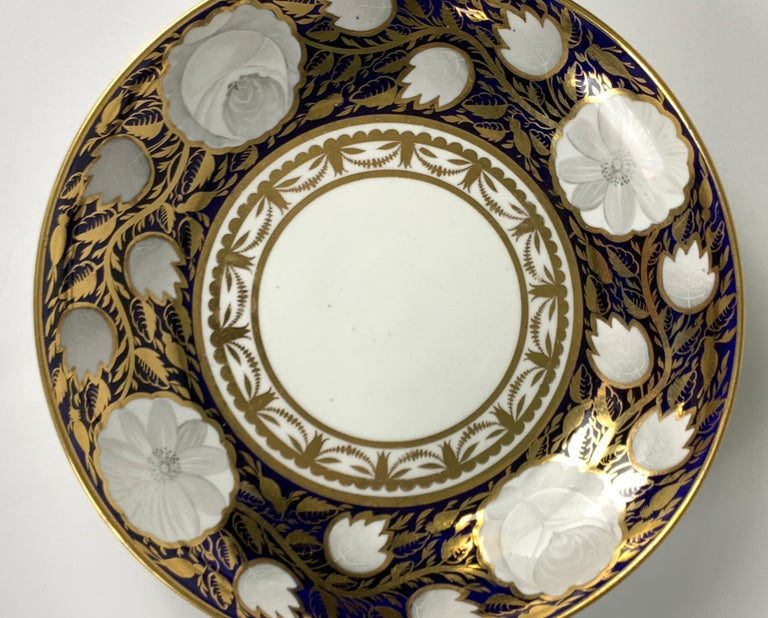 Hand-Painted Blue and White and Gold Dish Made in England by Spode, Circa 1820 For Sale
