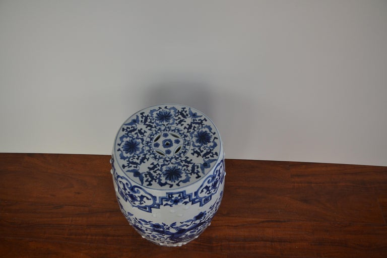 Chinese Blue and White Asian Garden Stool For Sale