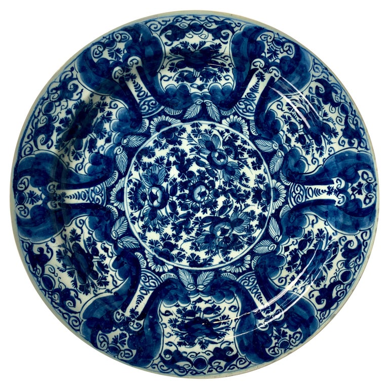 Blue and White Delft Charger Hand-Painted, Netherlands, 18th Century, Circa 1760 For Sale