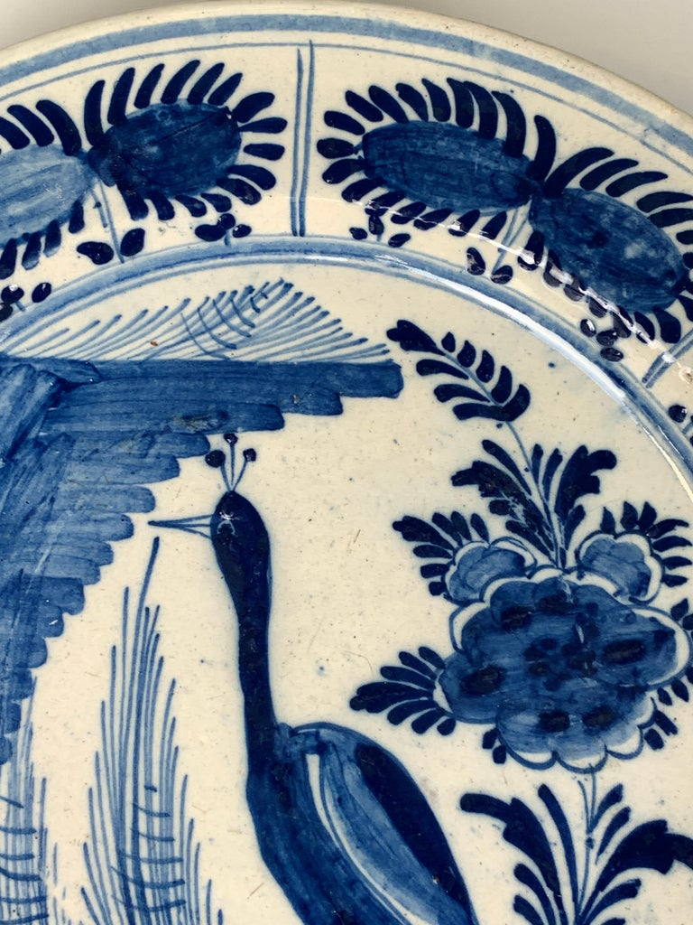 Blue and White Dutch Delft Charger Hand-Painted in the 18th Century In Excellent Condition For Sale In Katonah, NY