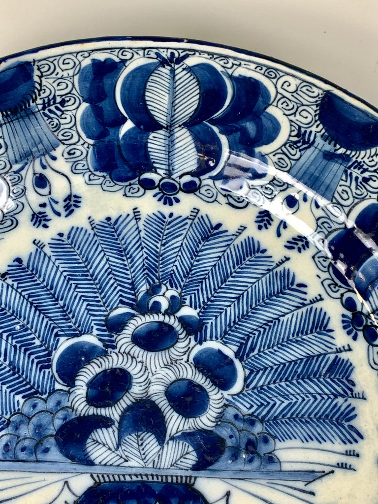 Blue and White Dutch Delft Charger Made, Circa 1780 In Good Condition For Sale In Katonah, NY