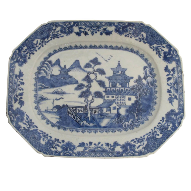 Blue and White Nanking Ware Tureen, Chinese Export 19th Century For Sale 2