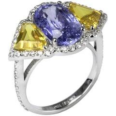 Blue and Yellow Ceylon Sapphire Diamond Ring Weighing 8.26 Carat