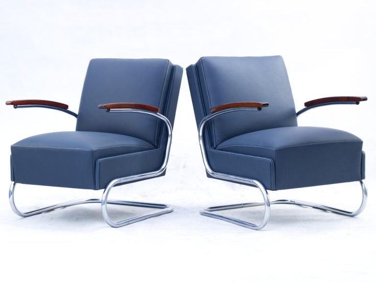 Mid-20th Century Blue Art Deco Tubular Steel Cantilever Armchairs Fn 24 by Mücke & Melder, 1930s For Sale