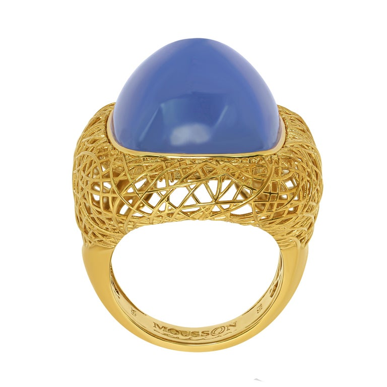 Blue Chalcedony 18 Karat Yellow Gold Rolling Stones Suite For Sale 5