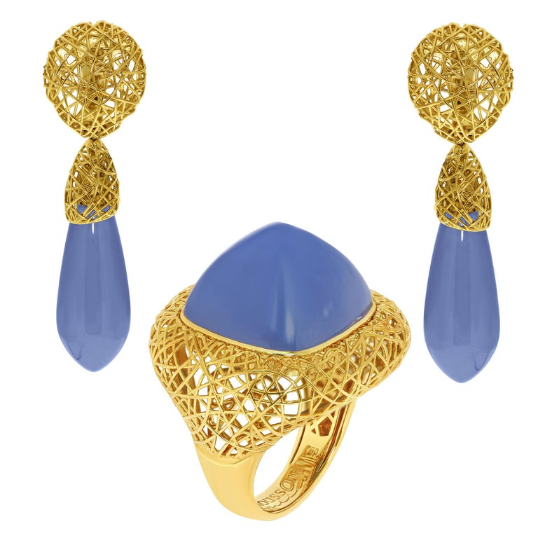 Blue Chalcedony 18 Karat Yellow Gold Rolling Stones Suite For Sale