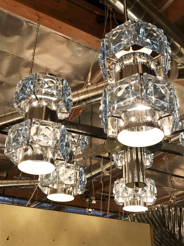 Blue Crystal Chandelier by Sciolari In Good Condition For Sale In Palm Springs, CA