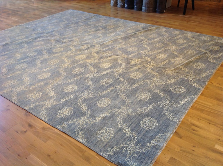 Blue Floral Stencil Design Wool and Silk Area Rug In New Condition For Sale In West Hollywood, CA