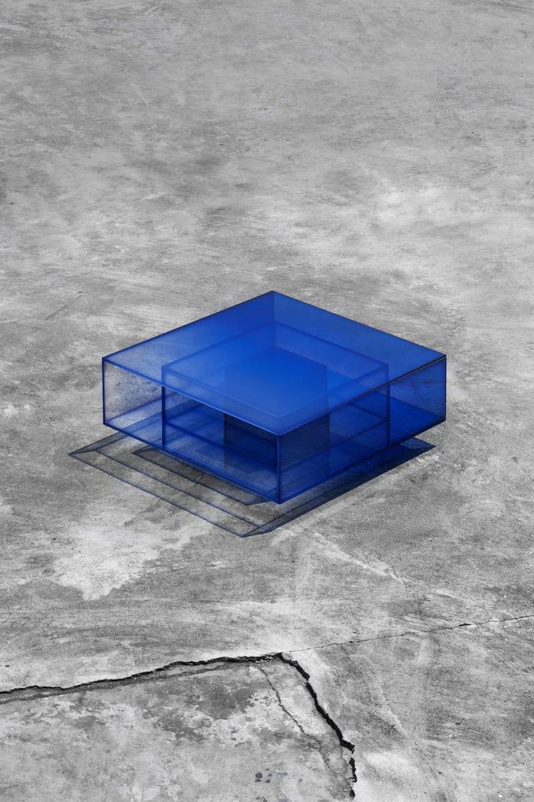 Blue Glass Clear Transition Color Coffee Table by Studio Buzao Customizable In New Condition For Sale In Beverly Hills, CA