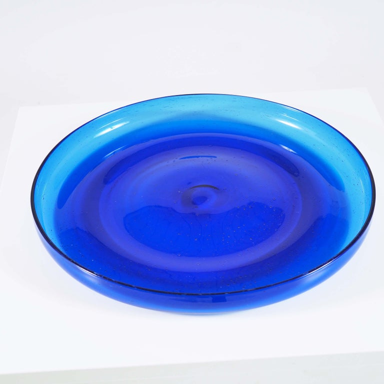 Blue Glass Tray by Erik Höglund, Boda, Sweden In Good Condition For Sale In Goteborg, SE