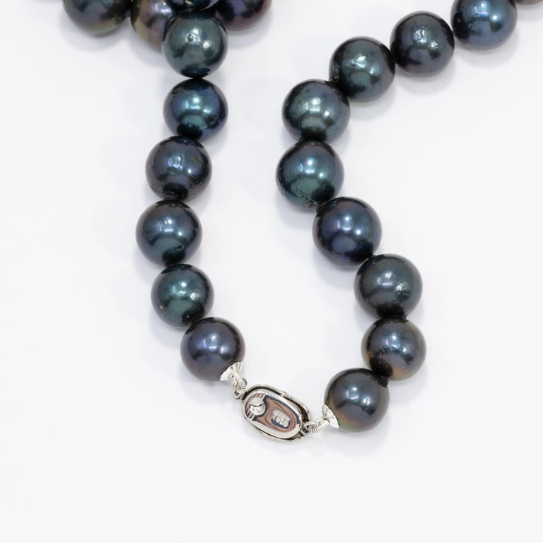 Blue-Green Tahitian Pearl Beaded Necklace with Sterling Silver Clasp, 52 cm Long For Sale 1