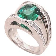Blue Green Tourmaline 3.5 Carat and Diamond Ring in 18 Karat White Gold