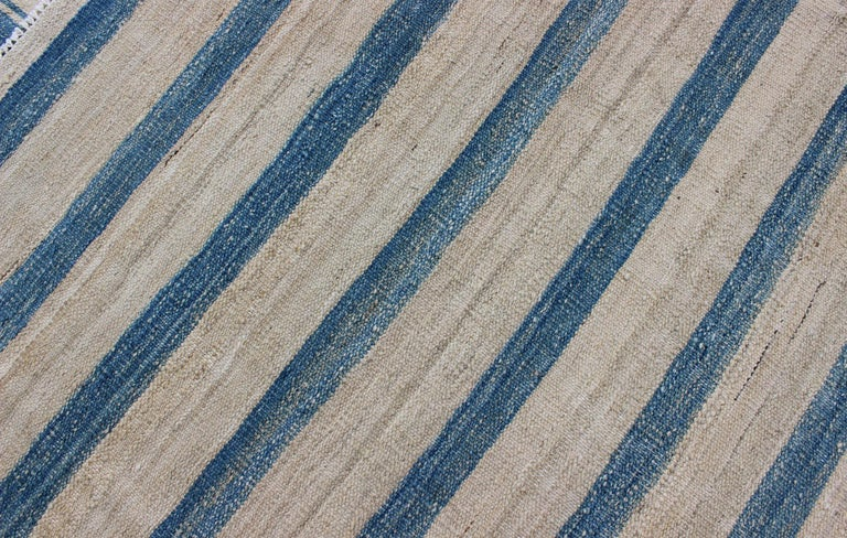 Blue, Ivory Casual Modern Flat-Weave Kilim Rug with Modern Design and Stripes For Sale 5