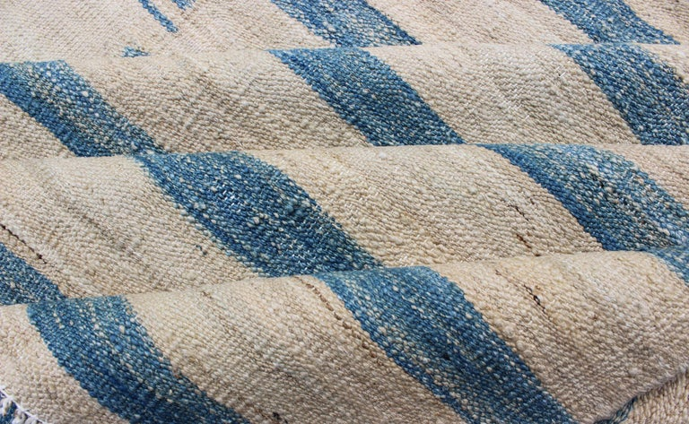 Blue, Ivory Casual Modern Flat-Weave Kilim Rug with Modern Design and Stripes In New Condition For Sale In Atlanta, GA