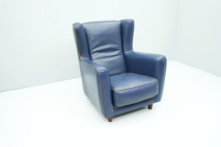 Blue Leather Lounge Chair Bergère by Baxter, Italy In Good Condition For Sale In Frankfurt / Dreieich, DE