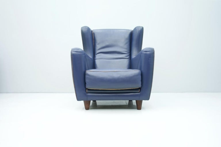 Late 20th Century Blue Leather Lounge Chair Bergère by Baxter, Italy For Sale