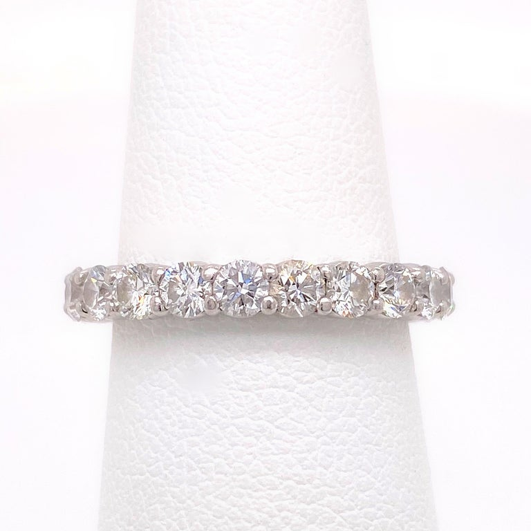 Blue Nile Round Diamond 2.07 Carat Full Circle Eternity Band in Platinum In Excellent Condition For Sale In San Diego, CA