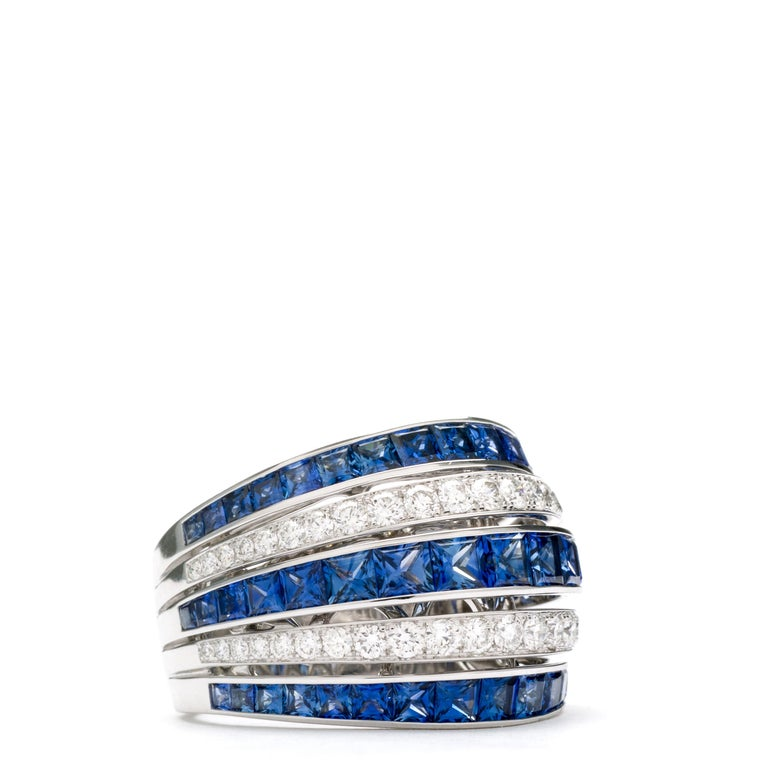 Blue Sapphire 18 Karat White Gold Princess Ring In New Condition For Sale In LA NEUVEVILLE, CH