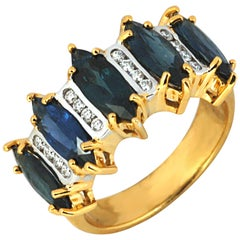 Blue Sapphire 3.04 Carat with Diamond 0.18 Carat Ring in 18 Karat Gold Settings