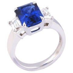 GRS Certified Blue Sapphire 4.55 cts with Diamond 1.07 cts Ring in Platinum900