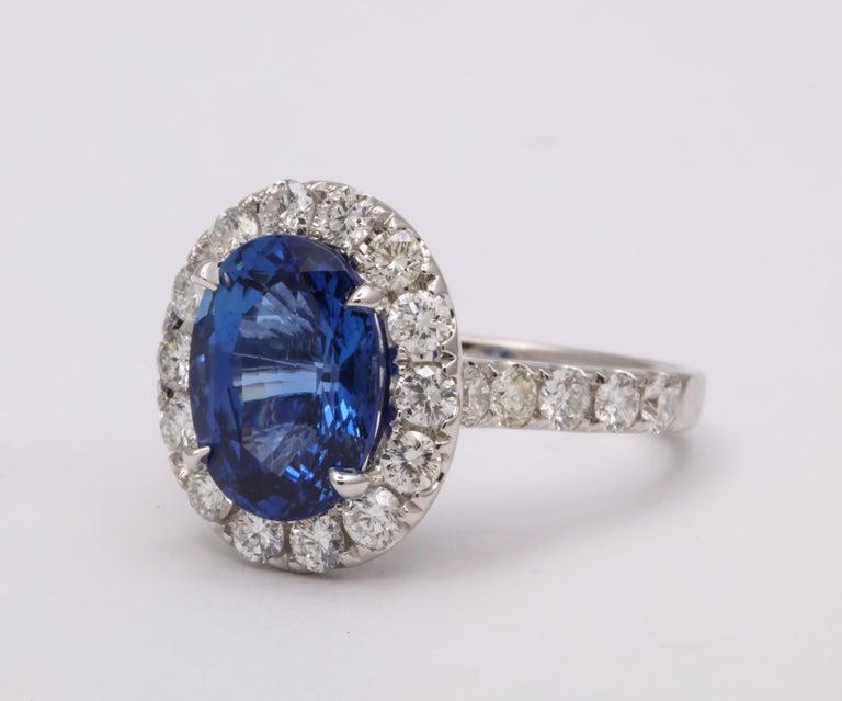 Blue Sapphire and Diamond Ring In New Condition For Sale In New York, NY
