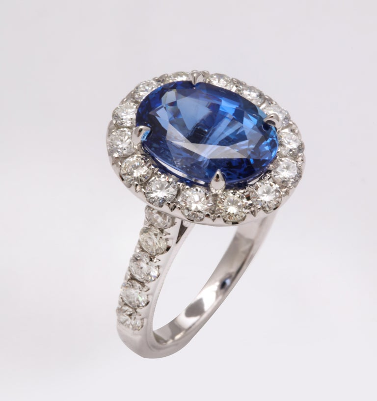 Blue Sapphire and Diamond Ring For Sale 2
