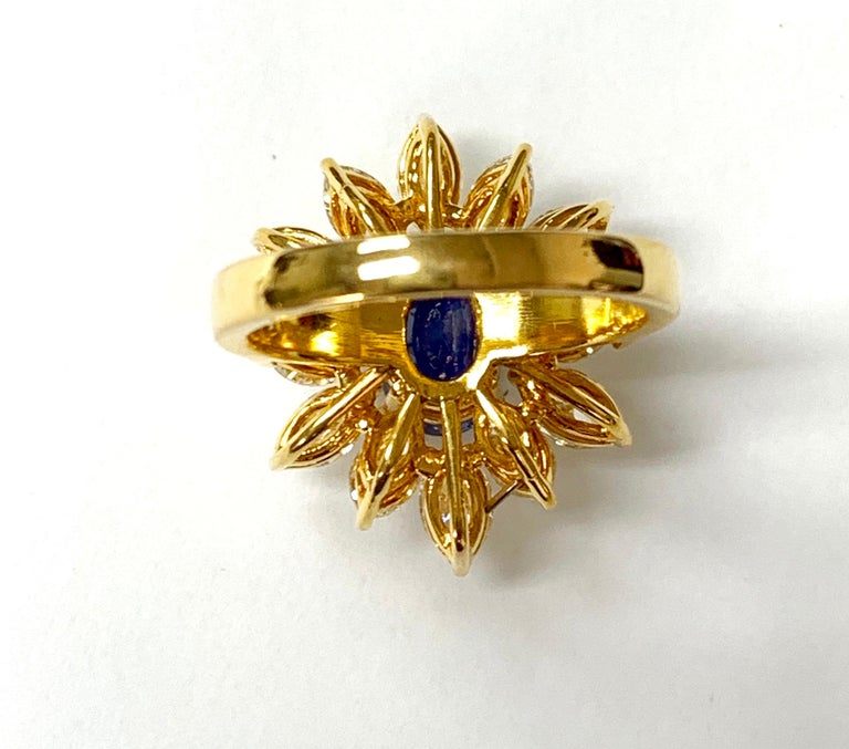 Blue Sapphire and Yellow Diamond Ring in 18 Karat Yellow Gold For Sale 4
