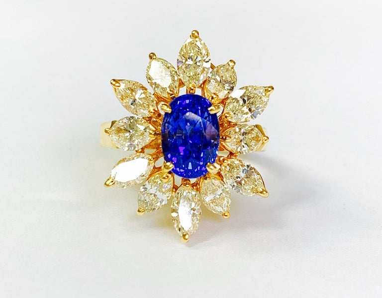 Blue Sapphire and Yellow Diamond Ring in 18 Karat Yellow Gold For Sale 2