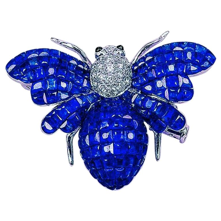Blue Sapphire Bee Brooch For Sale