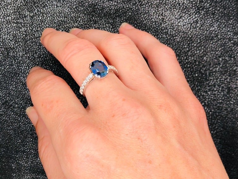 Blue Sapphire Ceylan and Diamonds on White Gold 18 Karat For Sale 6