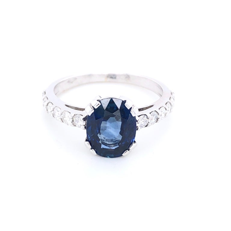 Blue Sapphire Ceylan and Diamonds on White Gold 18 Karat For Sale 1
