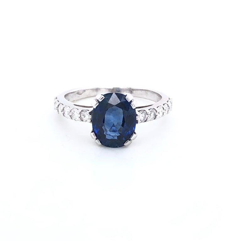 Blue Sapphire Ceylan and Diamonds on White Gold 18 Karat For Sale 2