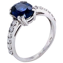 Blue Sapphire Ceylan and Diamonds on White Gold 18 Karat