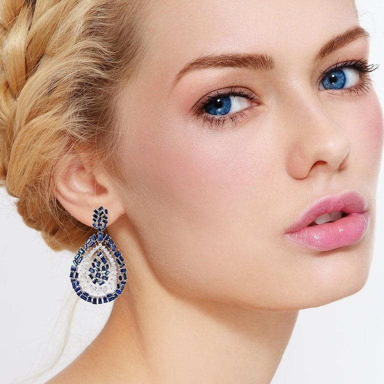 Modern Blue Sapphire Diamond 18 Karat Gold Earrings For Sale