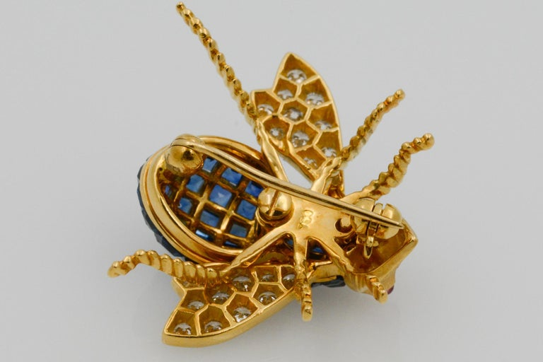 Blue Sapphire, Diamond and Ruby 18 Karat Yellow Gold Bee Pin For Sale 6