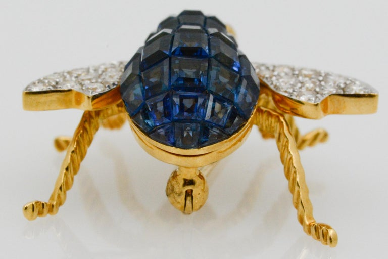 Blue Sapphire, Diamond and Ruby 18 Karat Yellow Gold Bee Pin For Sale 2