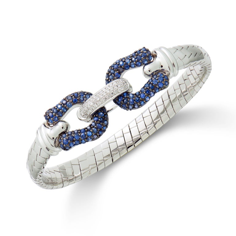 Blue Sapphire & Diamond Bangle in 18 Karat White Gold In New Condition In Hong Kong, Kowloon