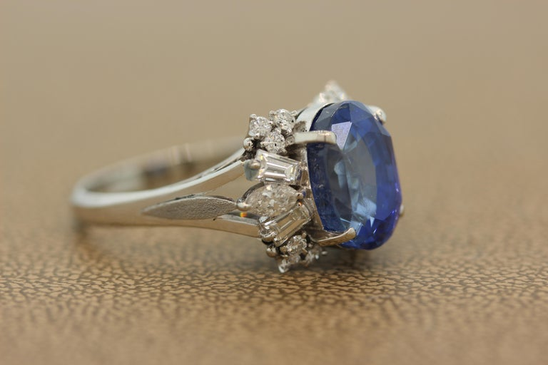 Blue Sapphire Diamond Platinum Ring, GIA Certified In Excellent Condition For Sale In Beverly Hills, CA