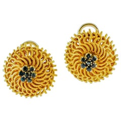 Blue Sapphire Flowers, 18 Karat Yellow Gold Clip-On Vintage Retrò Earrings