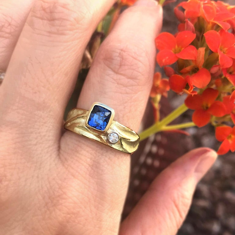K.Mita's 1.17ct Blue Sapphire Geo Ring is made from 18K Yellow Gold with a 0.04ct side Diamond set in 18K Palladium White Gold. Sapphire is the birthstone for September and the second hardest mineral next to diamonds, making it a great selection for