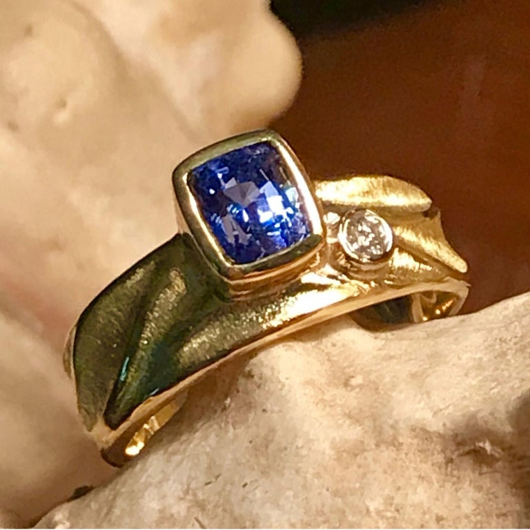 Contemporary Blue Sapphire Geo Ring in 18 Karat Yellow and Palladium White Gold Side Diamond For Sale