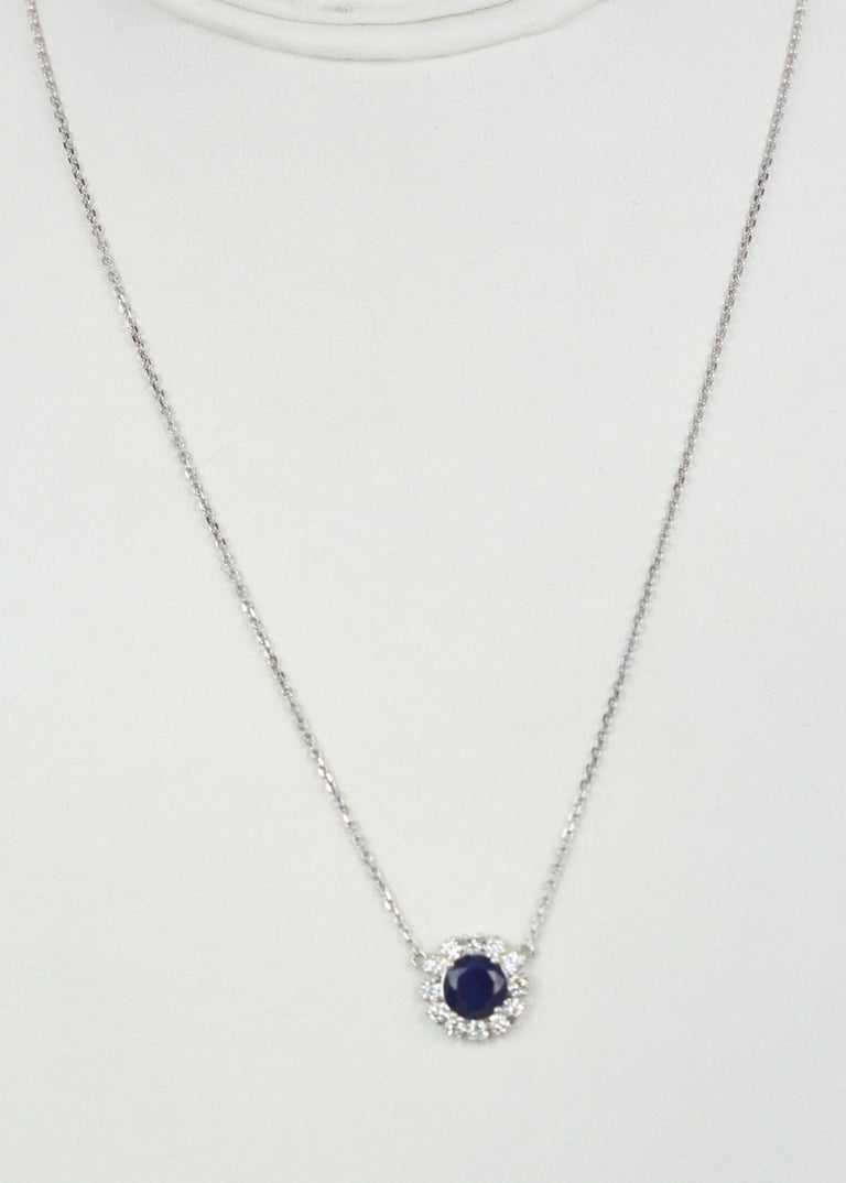 Blue Sapphire Pendant Necklace with Diamond Surround In New Condition For Sale In North Hollywood, CA