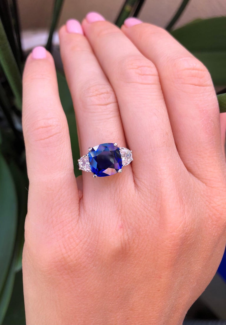 Women's Sapphire Ring Ceylon Cushion Cut 3.81 Carats C. Dunaigre Certified For Sale