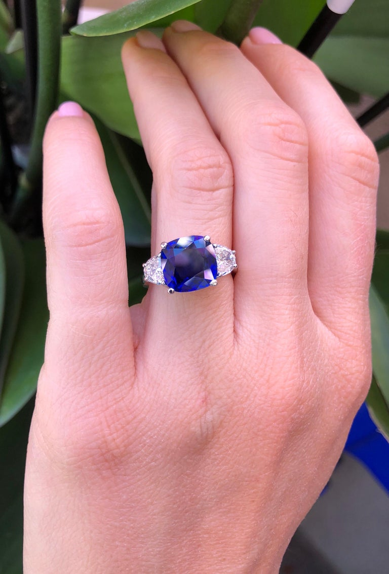 Sapphire Ring Ceylon Cushion Cut 3.81 Carats C. Dunaigre Certified For Sale 1