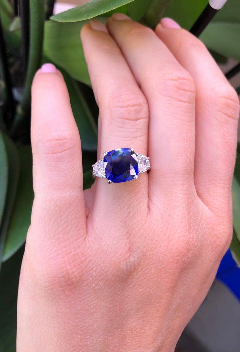 Sapphire Ring Ceylon Cushion Cut 3.81 Carats C. Dunaigre Certified For Sale 2
